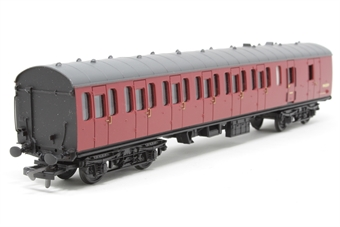 34-625-PO06 57ft. MK1 2nd Class Suburban Brake Coach M43259 in BR Crimson Livery - Pre-owned - missing one coupling - imperfect box