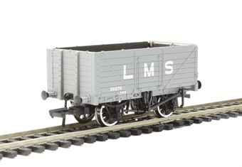 37-088 7 wagon with end door 351270 in LMS grey