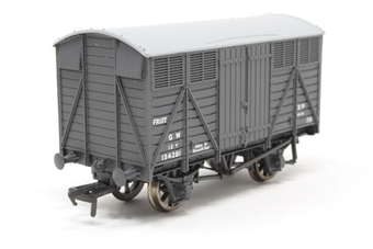37-751-PO04 12 ton fruit van in GWR grey livery - Pre-owned -  imperfect box