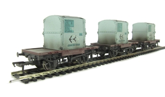 37-981 Pack of 3 Conflat wagons in BR bauxite with AF containers in light blue - weathered