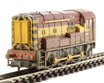 371-019 Class 08 Shunter 08897 in EWS Livery (weathered)