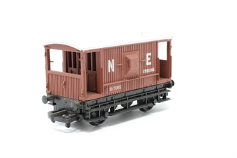 37140-PO16 20T Brake van in NE Brown - Pre-owned - minor marks on roof - replacement box