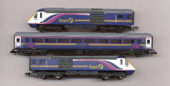371-477 HST 125 3 car set in First Great Western livery £67