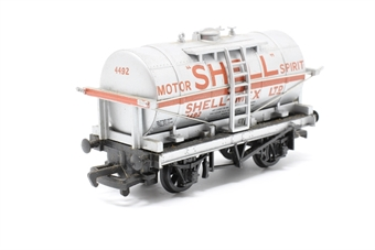 """37165Main-PO14 12 ton tank wagon in """"Shell Motor Oil"""" silver - Pre-owned - minor marks to top of tank - replacement box"""