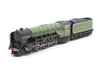 372-385-PO03 Class A2 4-6-2 525 'A H Peppercorn' LNER Apple green - Pre-owned - missing front buffers, damage to railings on sides, imperfect box