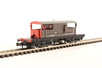 377-875 25 Ton Queen Mary Brake Van SR Brown Small Lettering