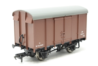 38-076B-PO03 12 ton Southern plywood side ventilated van in BR(S) bauxite livery - Pre-owned - Like new