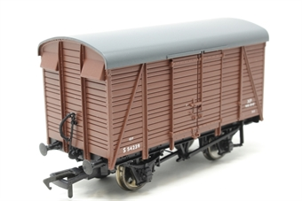 38-082-PO06 12 ton Southern 2+2 planked ventilated van in BR(S) bauxite livery - Pre-owned - Like new