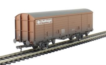 38-145 29 ton VDA sliding door box van in BR bauxite - weathered