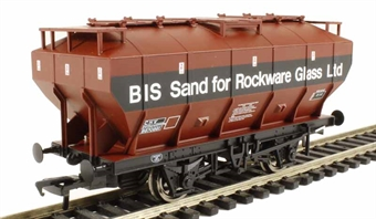 38-502 'Covhop' covered hopper in British Industrial Sand bauxite & black
