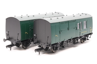 38-526Y-PO BR Mk1 Horse Box Twin Pack in SR Green - Model Centre special edition - Pre-owned - Like new