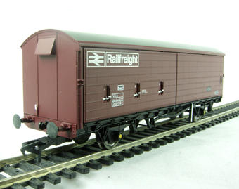 38-121 35 ton VAA sliding door box van in Railfreight bauxite livery
