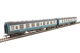 39-003 Pack of two Mk1 coaches in BR blue & grey with Network SouthEast branding and passenger figures