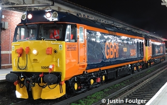 "4028 Class 50 50049 ""Defiance"" in GB Railfreight livery - Limited Edition"