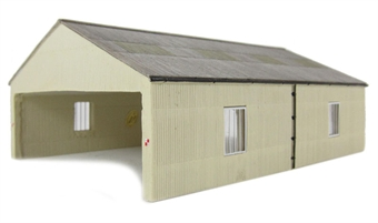 42-083 Carriage Shed £16