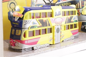 "43508-LN05 Balloon Tram - ""Blackpool - Walls Ice Cream"" - Pre-owned - Like new £18"
