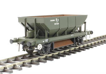 4376 4-wheel 'Dogfish' ballast hopper DB983239 in BR olive green