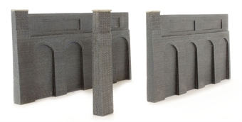 44-225 Low Relief Retaining Walls (168 x 10 x 85mm) £14.41