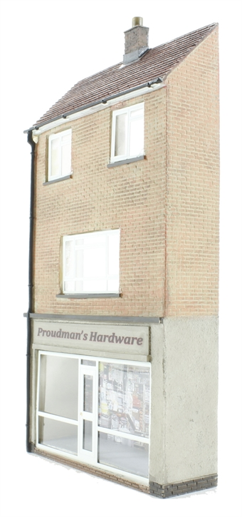 44-256 Low relief hardware store with maisonette (70 x 19 x 132mm)