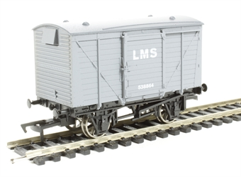4F-011-001 Ventilated van in LMS livery
