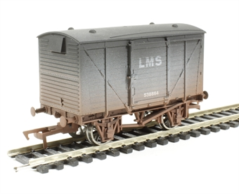 4F-011-002 Ventilated van in LMS livery - weathered