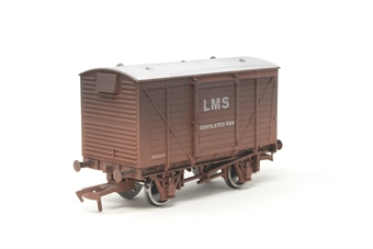 4F-011-018 Ventilated van 155005 in LMS bauxite - weathered