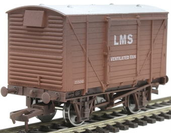 4F-011-024 12 ton ventilated van 155016 in LMS bauxite - weathered £10.50