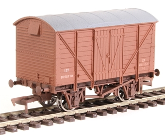 4F-012-018 12 ton ventilated van B768110 in BR bauxite - weathered