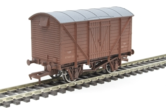4F-012-020 12 ton ventilated van B768120 in BR bauxite - weathered