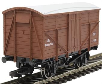 4F-015-013 8 ton fruit mex van B833340 in BR bauxite