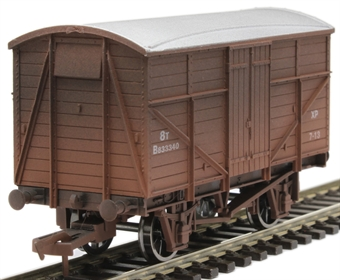 4F-015-014 8 ton fruit mex van B833340 in BR bauxite - weathered