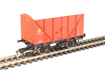 4F-016-023 4-wheel banana van B881722 in BR red
