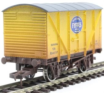 4F-016-115 12 ton banana van B240737 in Fyffes yellow - weathered