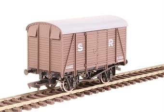 4F-021-013 12 ton box van 44615 in SR brown