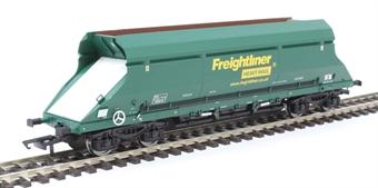 4F-026-016 HIA aggregate limestone hopper 369019 in Freightliner green livery