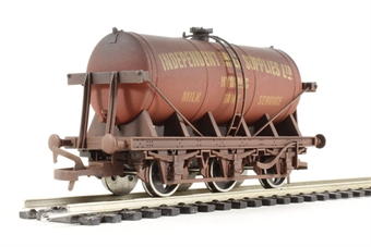 "4F-031-012 6 wheel milk tanker ""Independent Milk Supplies"" - weathered"