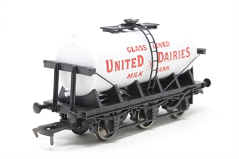 "4F-031-019-PO01 6 wheel milk tanker ""United Dairies"" - Pre-owned - Like new"