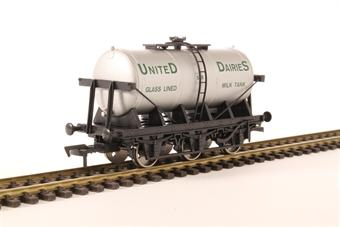 4F-031-027 6 Wheel Milk Tank SR United Dairies