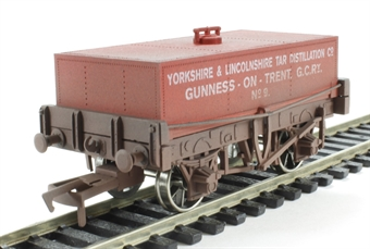 4F-032-014 Rectangular Tank Yorkshire & Lincolnshire Tar Wagon - weathered £11