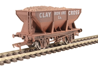 "4F-033-010 24 Ton steel ore hopper ""Clay Cross"" - weathered"