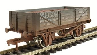 4F-040-014 4 Plank Wagon Hudson Bros - weathered