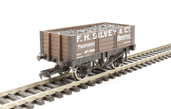 "4F-052-007 5 plank wagon 9' wheelbase ""F.H.Silvey"""