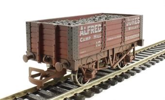 "4F-052-016 5 plank wagon 9' wheelbase ""Alfred Jukes"" - weathered"