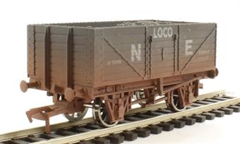 4F-071-018 7-plank N E loco coal. Weathered