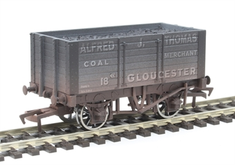 "4F-072-016 7 plank open wagon ""Alfred J Thomas, Gloucester"" - weathered"