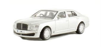 76BM003 Bentley Mulsanne in Moonbeam