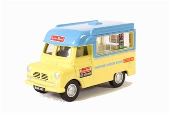 76CA003 Bedford CA Ice Cream Lyons Maid