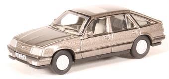 76CAV003 Vauxhall Cavalier in Steel Grey