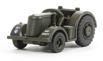 "76DBT001 David Brown Tractor ""RAF (Olive)"" £4.50"