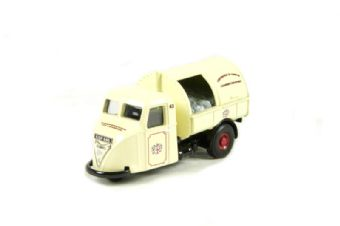"""76RAB002 Scammell scarab dustcart in """"Corporation of London"""" livery"""